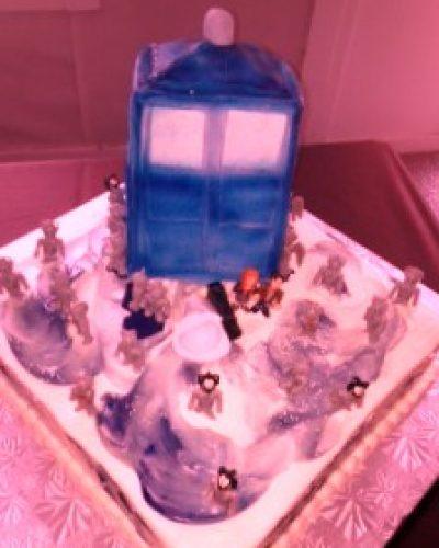 gaming-grooms-cake